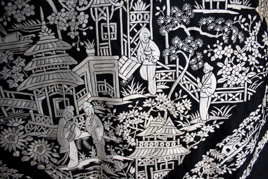 Mantón de manila negro